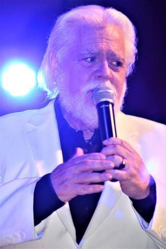 kenny rogers tribute: nearly kenny