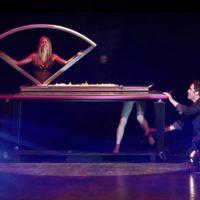 Michael Grandinetti Magic - Vertical Sawing in Half