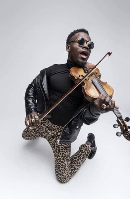 demola the violinist